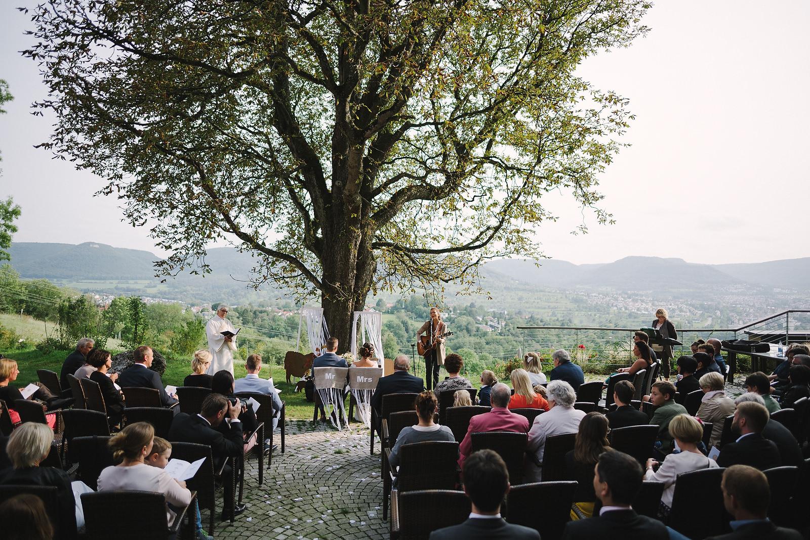 Fotograf Konstanz - Hochzeitsfotograf Reutlingen Achalm Hochzeit EFP 42 - Documentary wedding story on the Achalm, Reutlingen  - 35 -