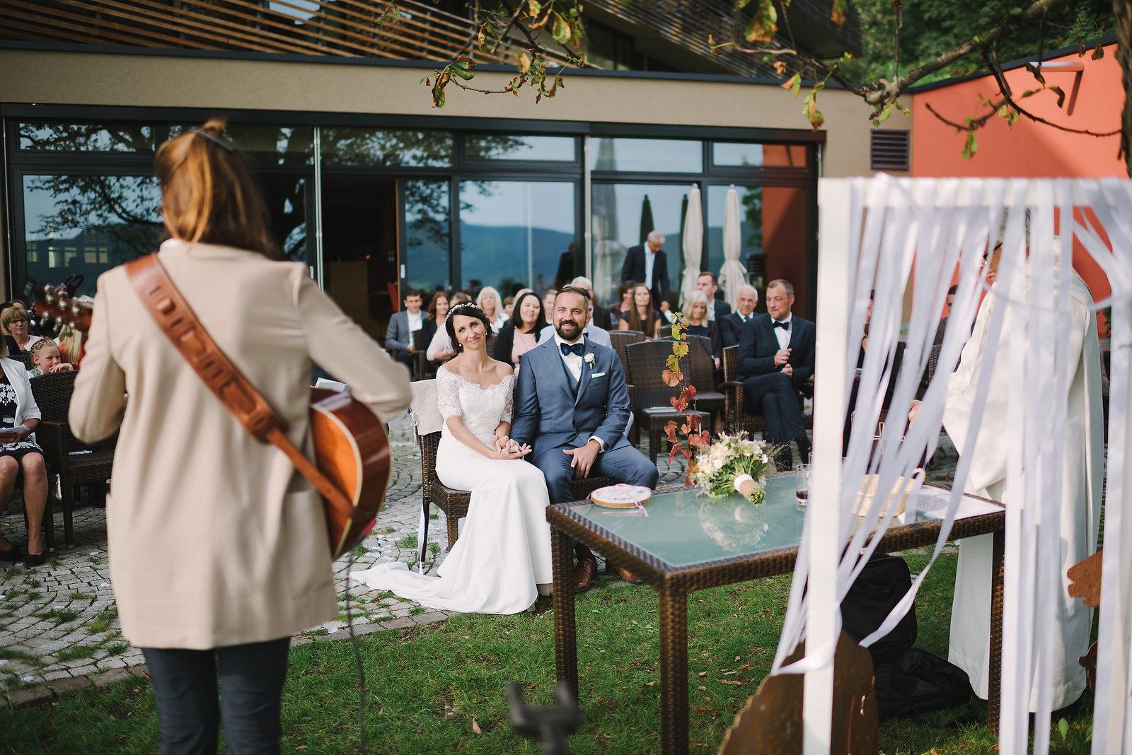 Fotograf Konstanz - Hochzeitsfotograf Reutlingen Achalm Hochzeit EFP 55 - Documentary wedding story on the Achalm, Reutlingen  - 46 -