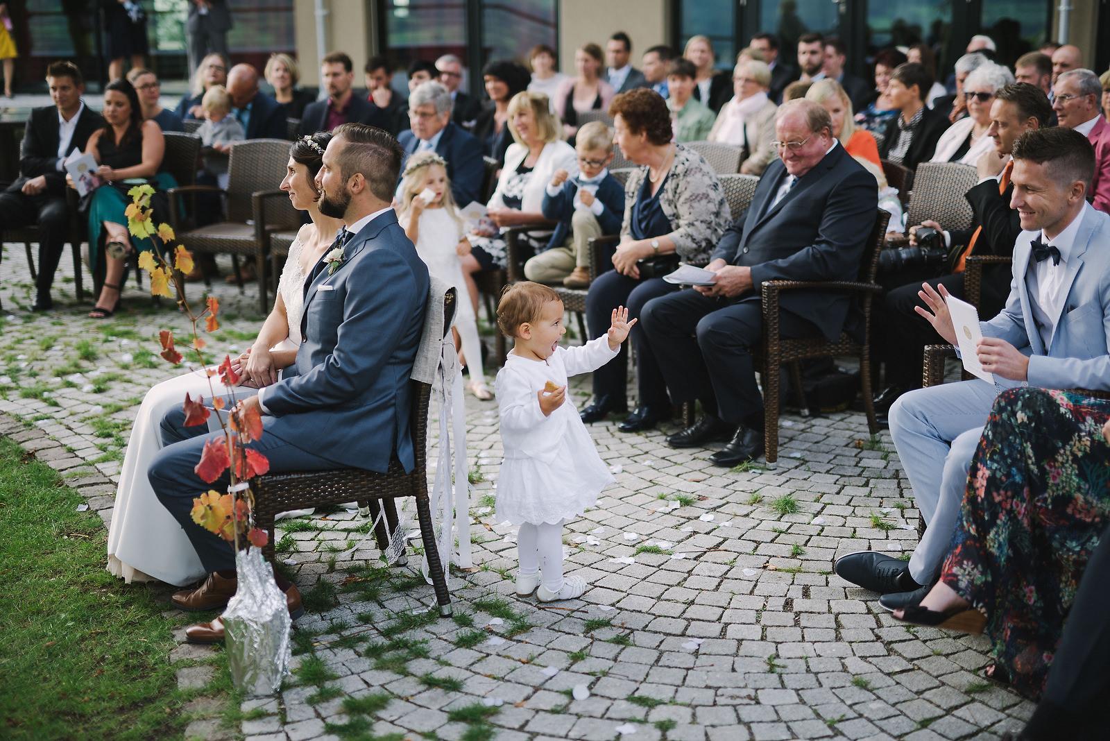 Fotograf Konstanz - Hochzeitsfotograf Reutlingen Achalm Hochzeit EFP 59 - Documentary wedding story on the Achalm, Reutlingen  - 48 -