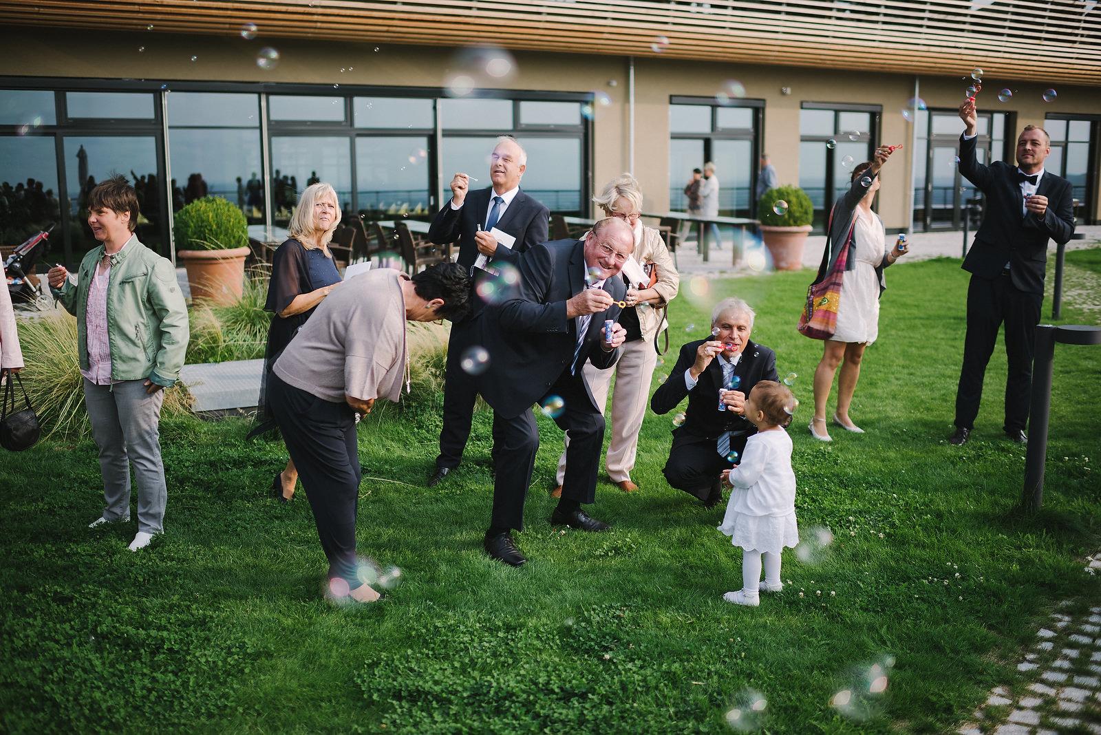 Fotograf Konstanz - Hochzeitsfotograf Reutlingen Achalm Hochzeit EFP 65 - Documentary wedding story on the Achalm, Reutlingen  - 51 -