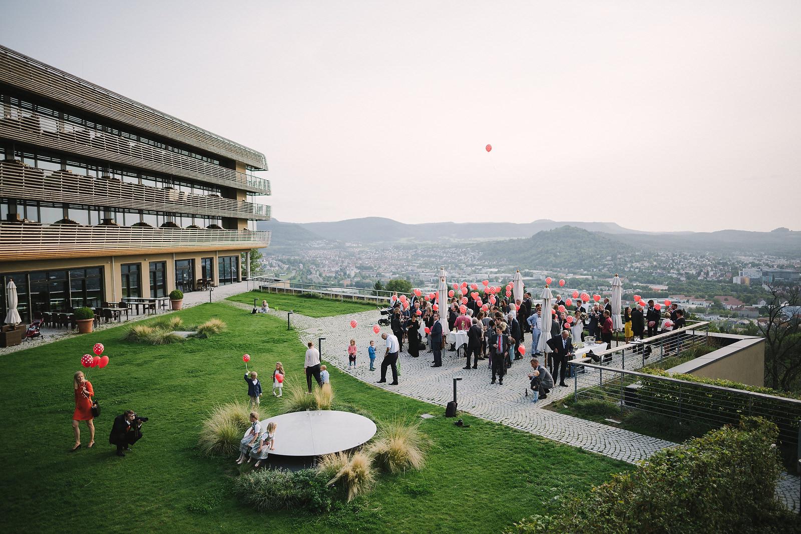 Fotograf Konstanz - Hochzeitsfotograf Reutlingen Achalm Hochzeit EFP 72 - Documentary wedding story on the Achalm, Reutlingen  - 56 -