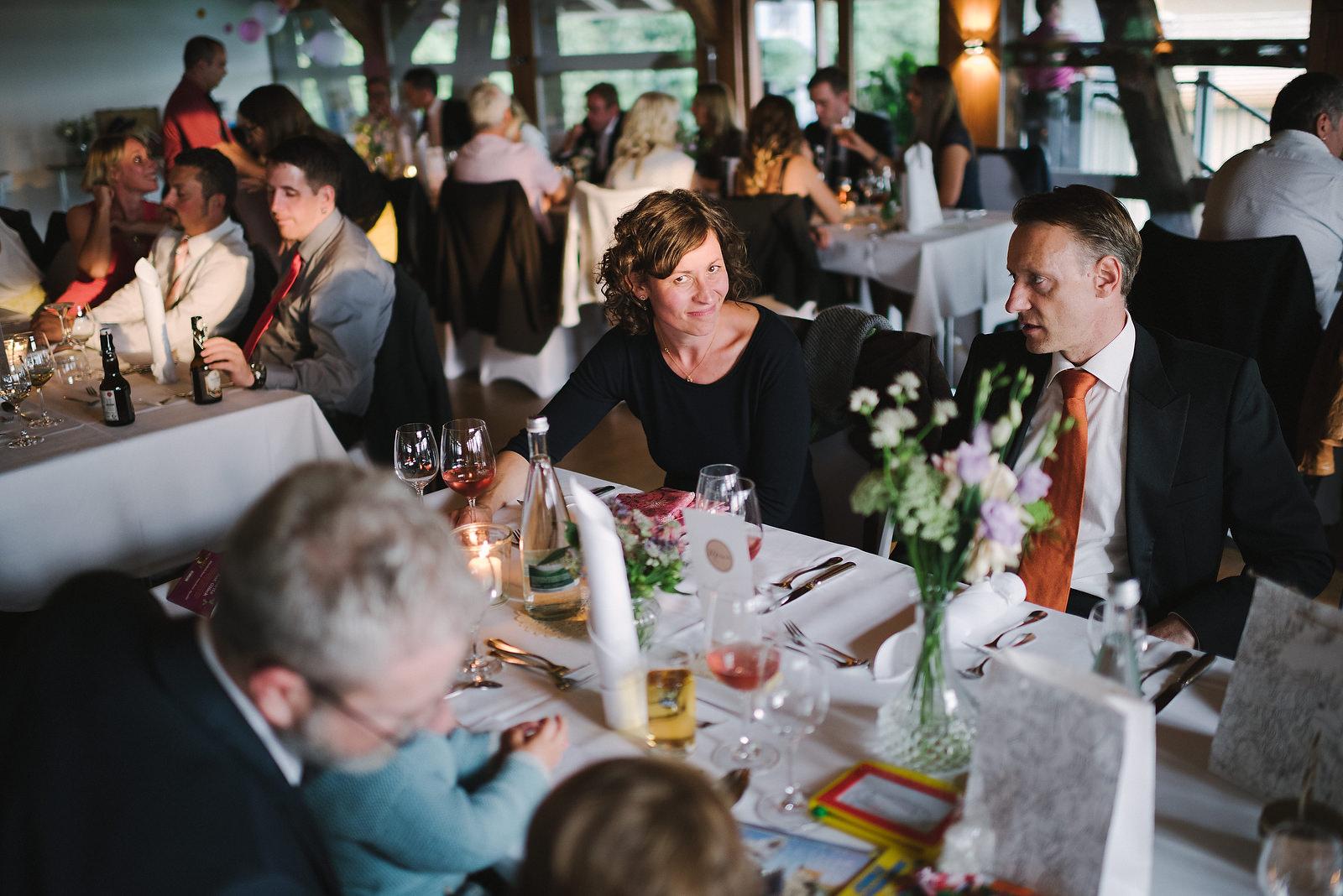 Fotograf Konstanz - Hochzeitsfotograf Reutlingen Achalm Hochzeit EFP 78 - Documentary wedding story on the Achalm, Reutlingen  - 64 -