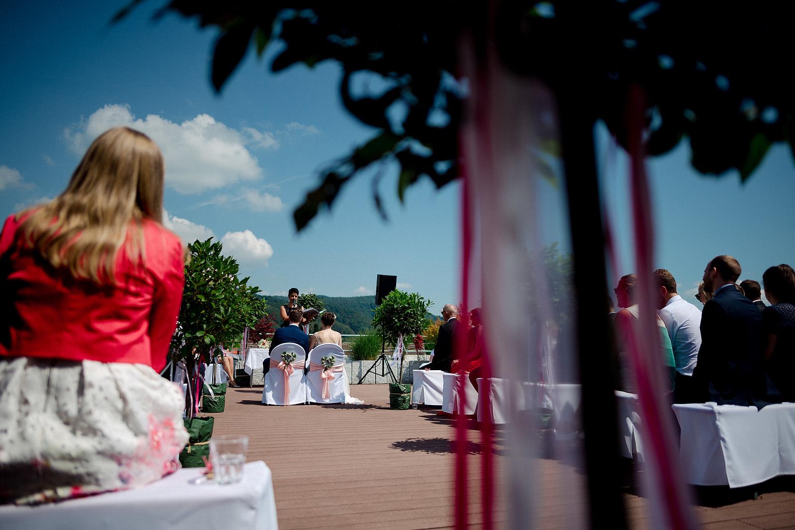 Fotograf Konstanz - Hochzeitsfotograf Bodensee Zollhaus Ludwigshafen Hochzeit Konstanz EFP 022 - Hochzeitsreportage im Zollhaus in Bodman-Ludwigshafen, Bodensee  - 156 -