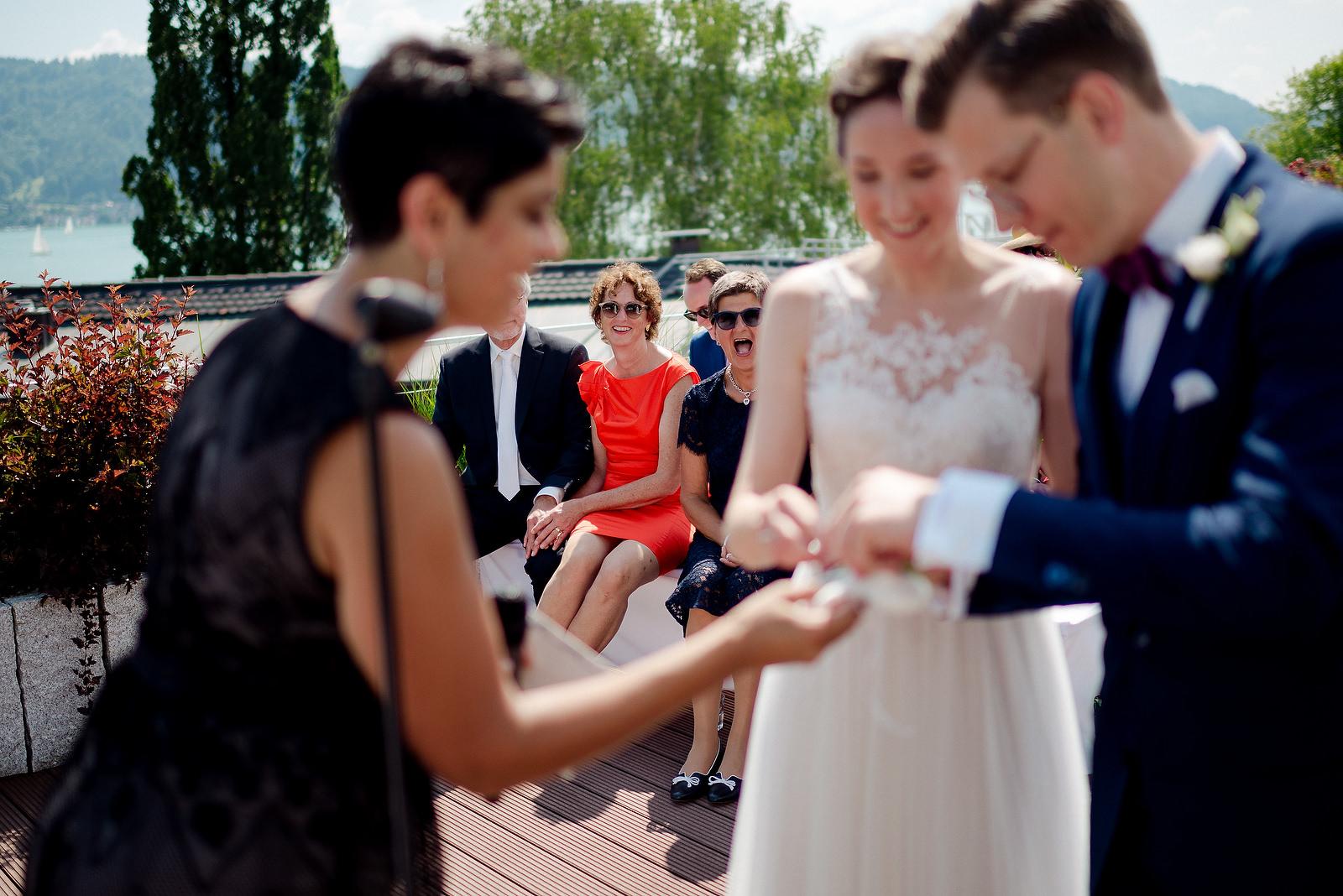 Fotograf Konstanz - Hochzeitsfotograf Bodensee Zollhaus Ludwigshafen Hochzeit Konstanz EFP 027 - Hochzeitsreportage im Zollhaus in Bodman-Ludwigshafen, Bodensee  - 160 -