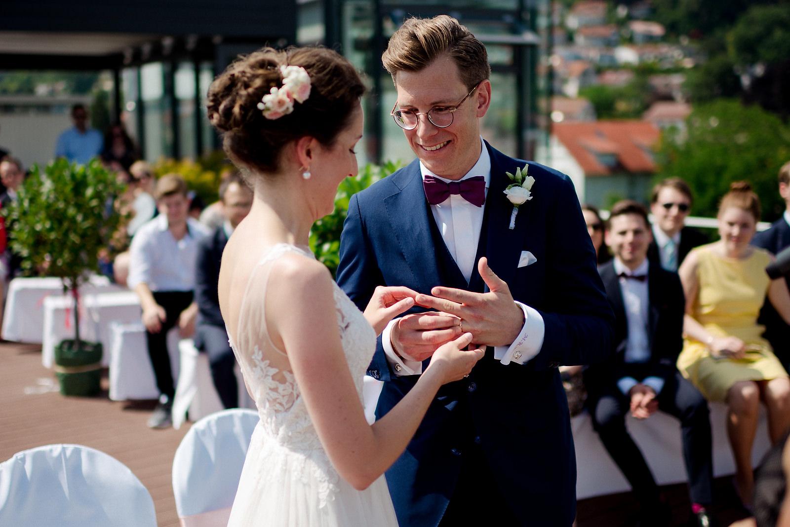 Fotograf Konstanz - Hochzeitsfotograf Bodensee Zollhaus Ludwigshafen Hochzeit Konstanz EFP 029 - Hochzeitsreportage im Zollhaus in Bodman-Ludwigshafen, Bodensee  - 162 -