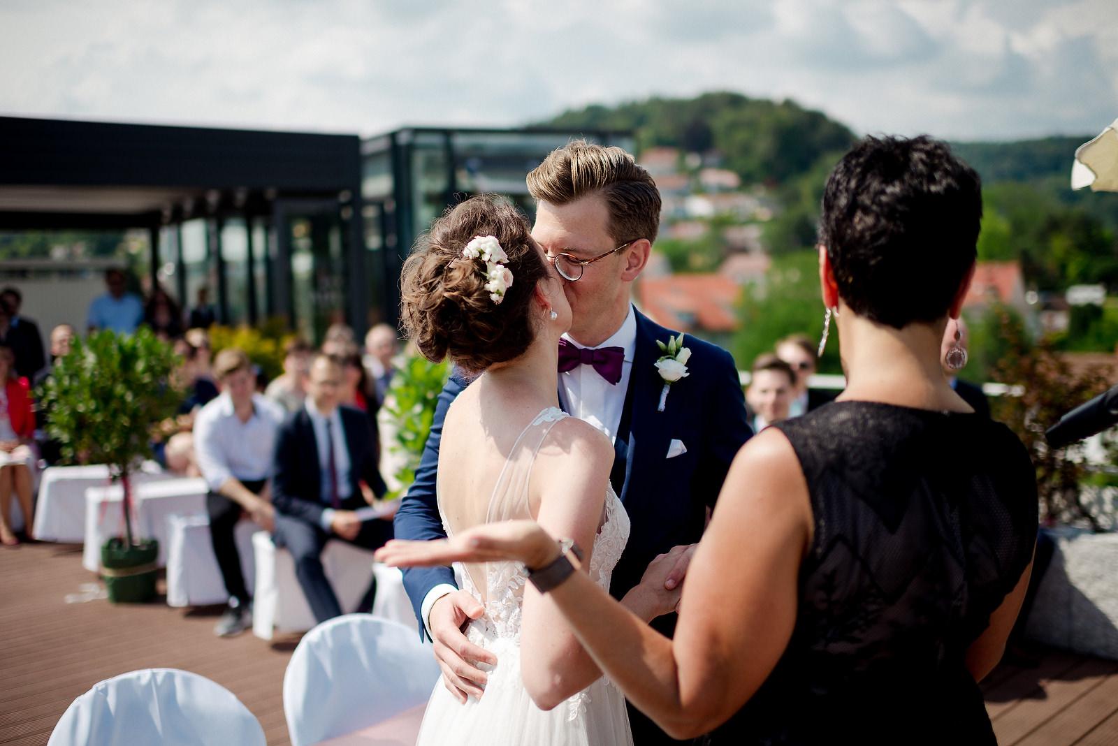 Fotograf Konstanz - Hochzeitsfotograf Bodensee Zollhaus Ludwigshafen Hochzeit Konstanz EFP 030 - Hochzeitsreportage im Zollhaus in Bodman-Ludwigshafen, Bodensee  - 163 -