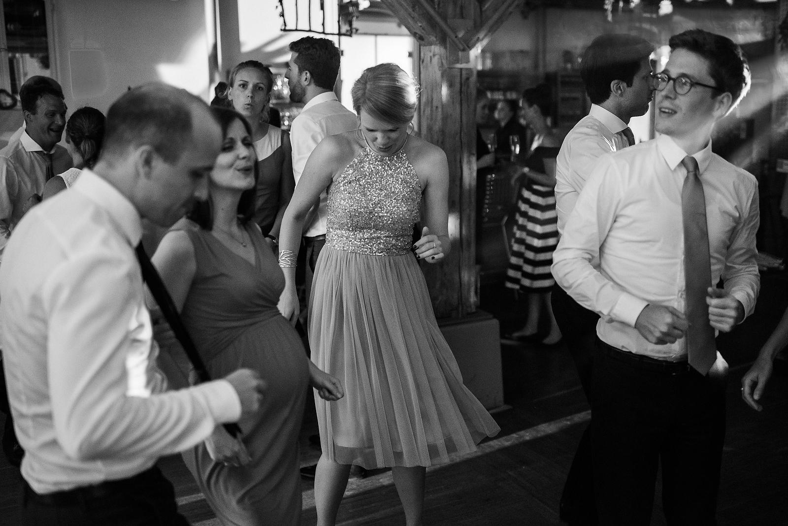 Fotograf Konstanz - Hochzeitsfotograf Bodensee Zollhaus Ludwigshafen Hochzeit Konstanz EFP 143 - Hochzeitsreportage im Zollhaus in Bodman-Ludwigshafen, Bodensee  - 245 -