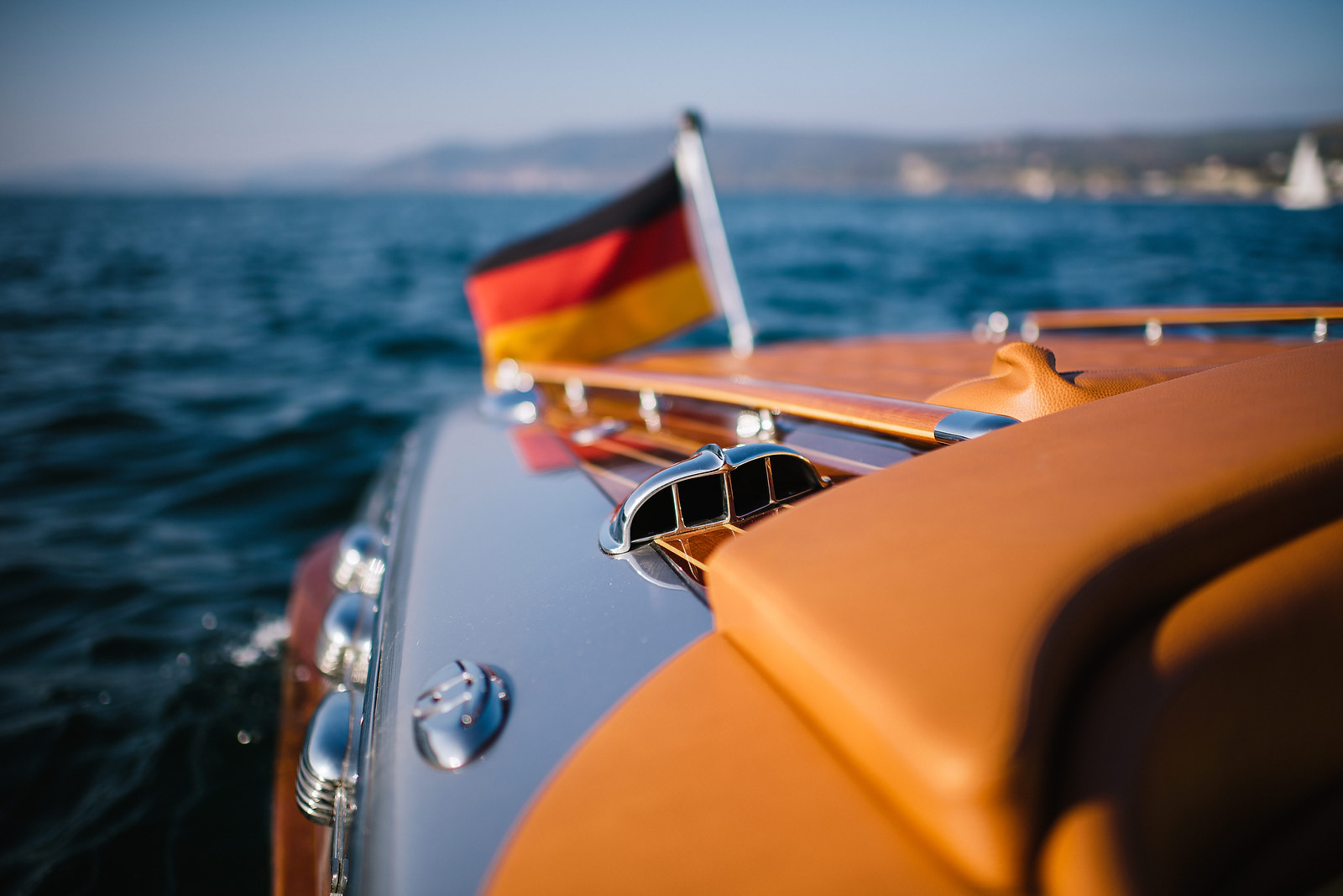 Fotograf Konstanz - Classic Boat Pegiva Shooting Bodensee Hochzeit Erlebnis EFP 35 - Experience a Pegiva boat shooting on Lake Constance  - 10 -