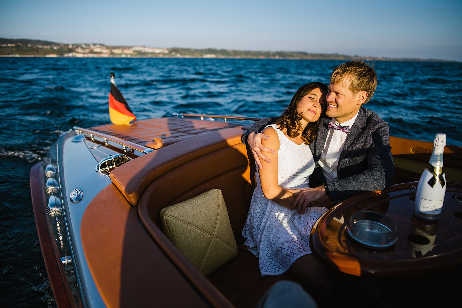 Fotograf Konstanz - Classic Boat Pegiva Shooting Bodensee Hochzeit Erlebnis EFP 39 - Experience a Pegiva boat shooting on Lake Constance  - 5 -