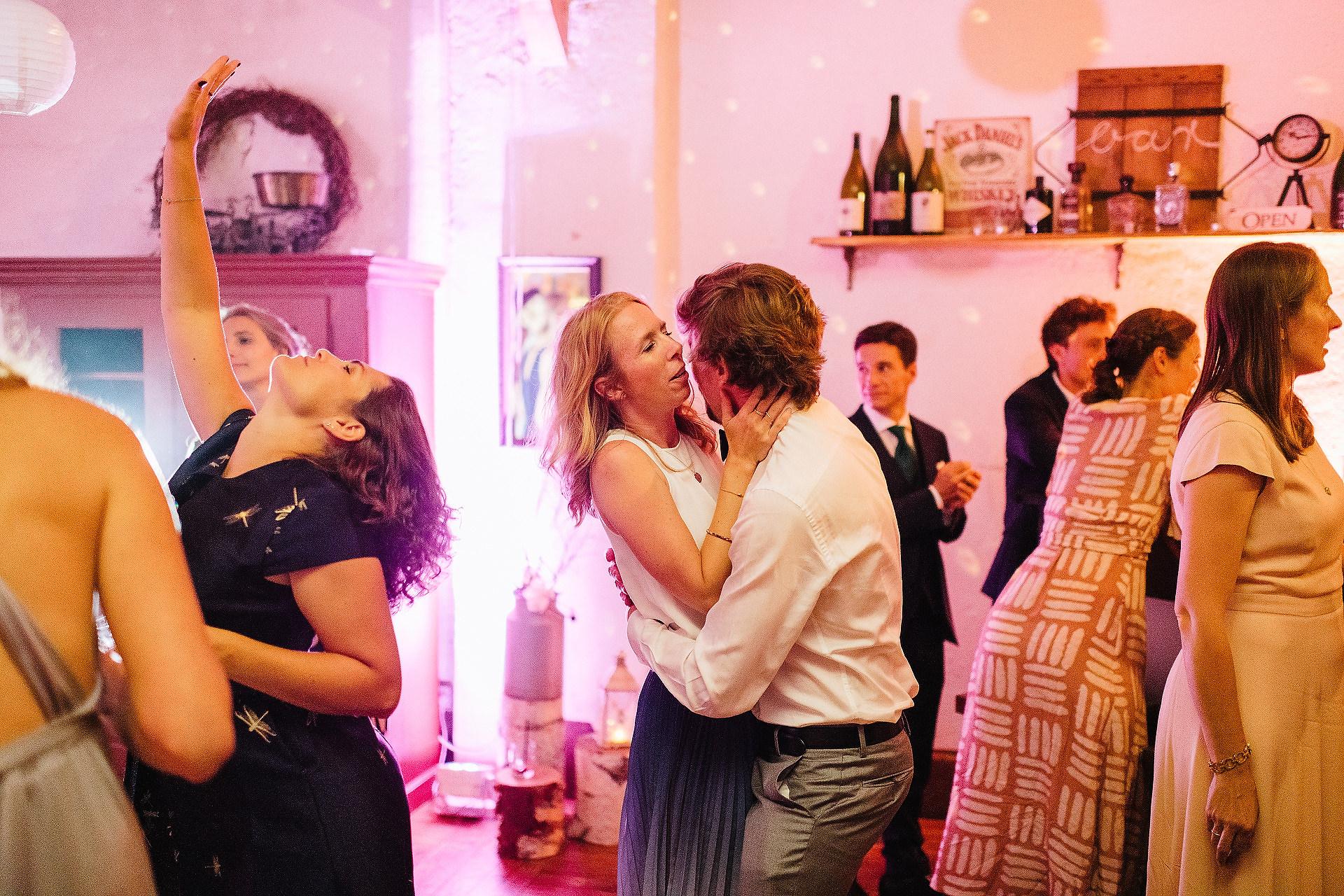 Fotograf Konstanz - Hochzeitsreportage Freiburg Hofgut Lilienhof Hochzeit Fotograf Konstanz 102 - Wedding in Freiburg and Hofgut Lilienhof  - 194 -