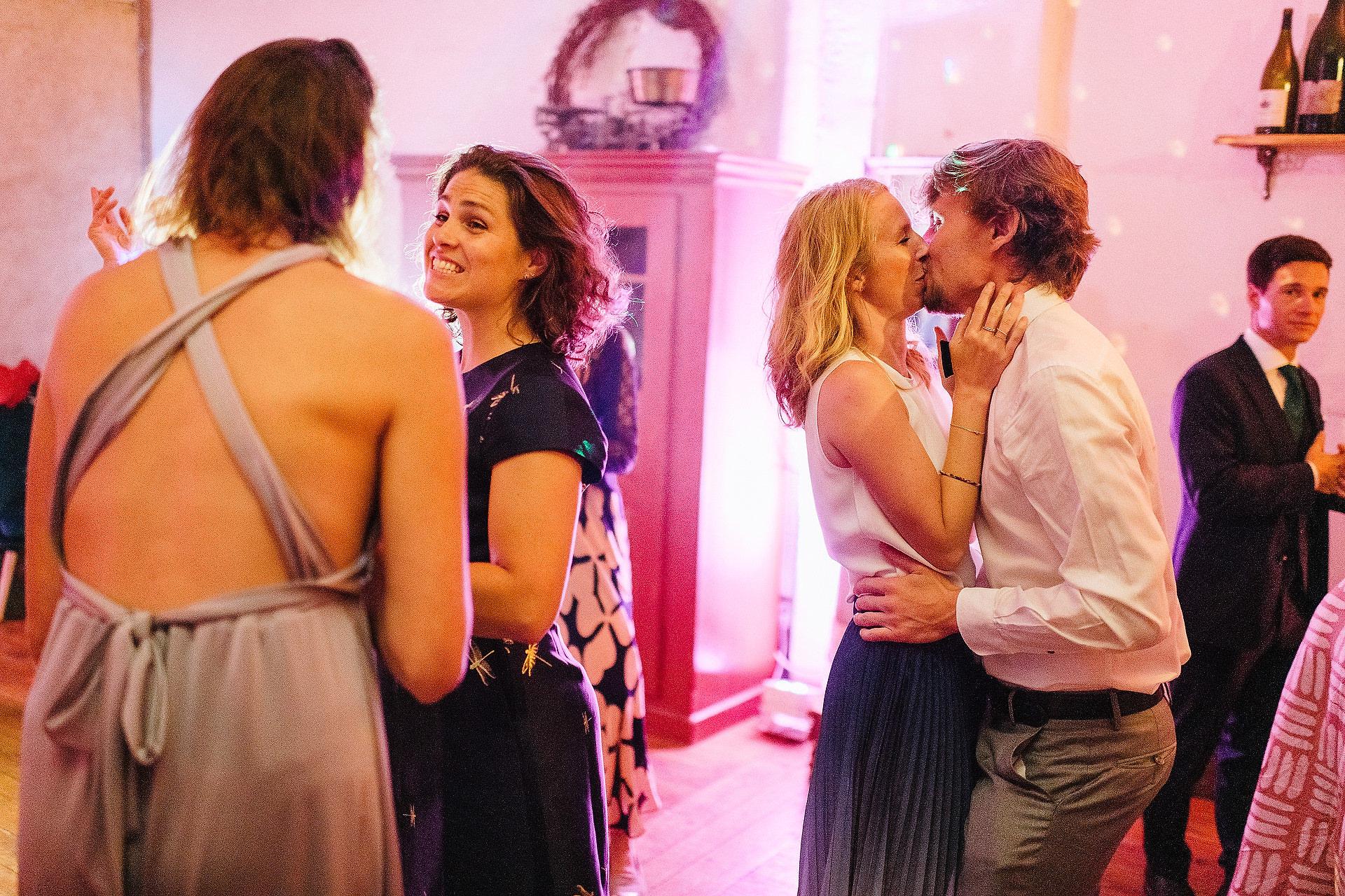 Fotograf Konstanz - Hochzeitsreportage Freiburg Hofgut Lilienhof Hochzeit Fotograf Konstanz 103 - Hochzeit in Freiburg und Hofgut Lilienhof  - 201 -