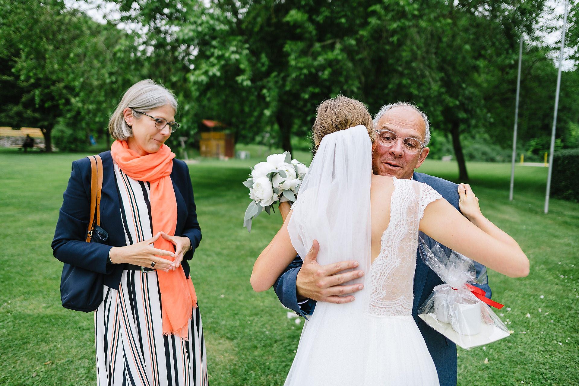 Fotograf Konstanz - Hochzeitsreportage Freiburg Hofgut Lilienhof Hochzeit Fotograf Konstanz 42 - Wedding in Freiburg and Hofgut Lilienhof  - 141 -