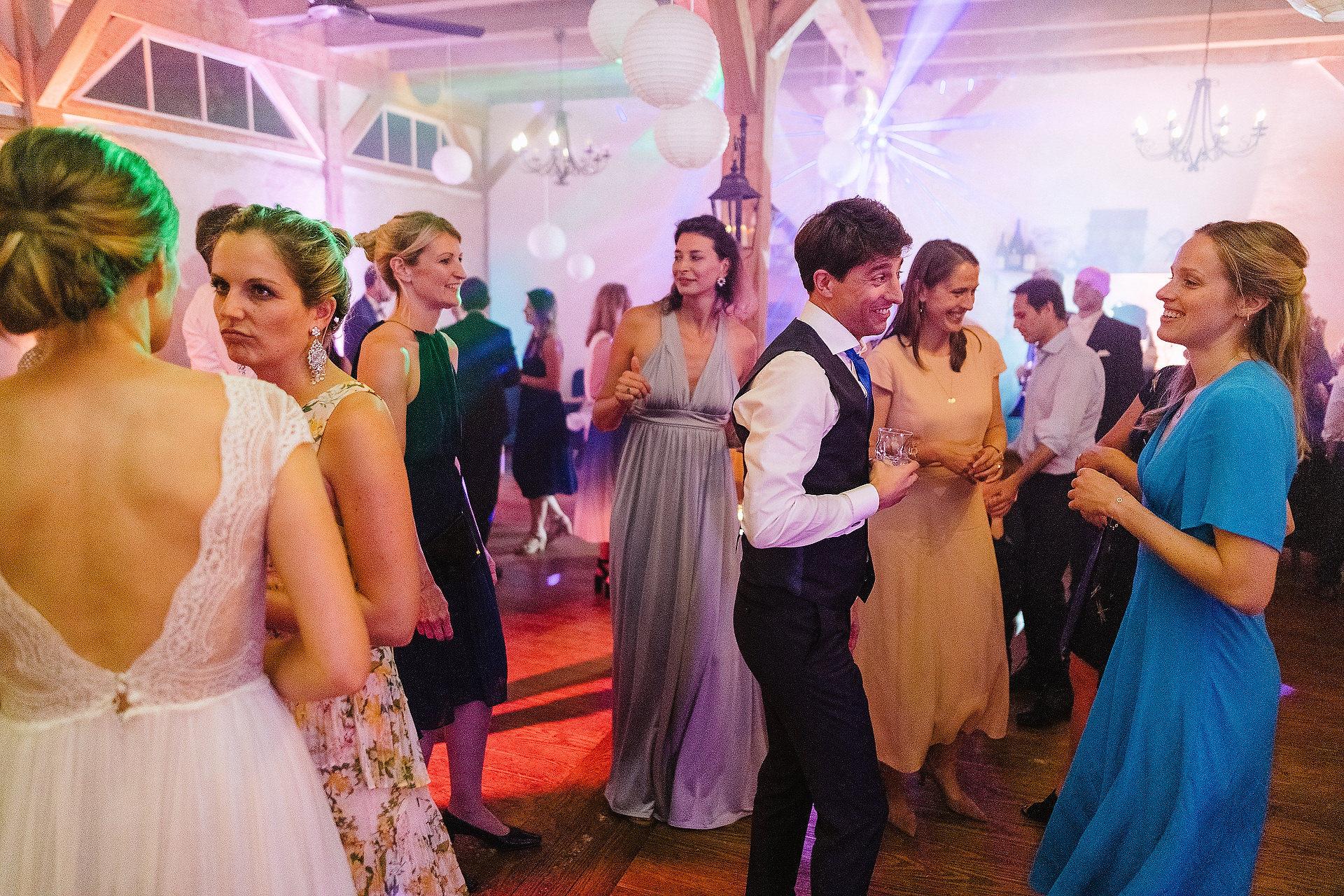 Fotograf Konstanz - Hochzeitsreportage Freiburg Hofgut Lilienhof Hochzeit Fotograf Konstanz 96 - Hochzeit in Freiburg und Hofgut Lilienhof  - 85 -